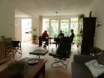 Daglicht strook voor woonkamer werkt goed  evenals geluid isolerende warmtemuur naar de buren